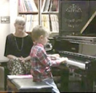Piano classes for little fingers
